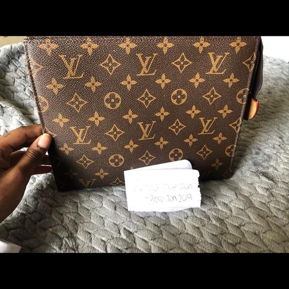 Louis Vuitton Handbags - Louis Vuitton Pouch Toiletry Monogram